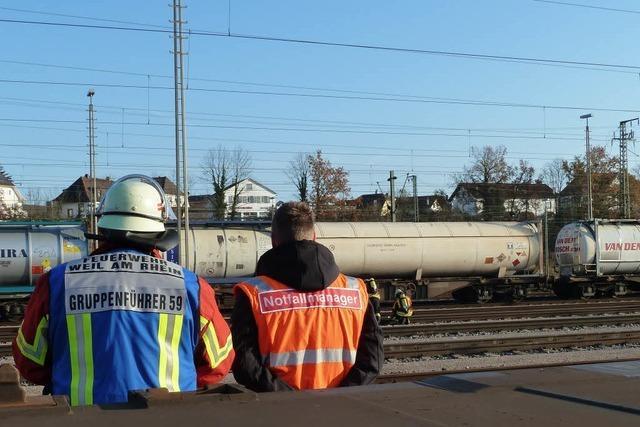 Undichter Kesselwagen legt Bahnverkehr lahm