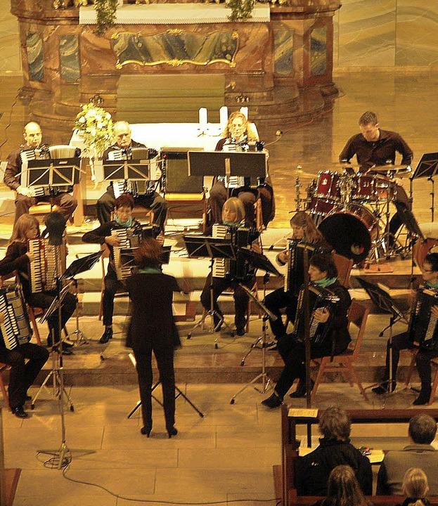 Die Murger St.-Magnus-Kirche (er-)füll...r  mit einem gelungenen Konzertabend.   | Foto: Brigitte Chymo