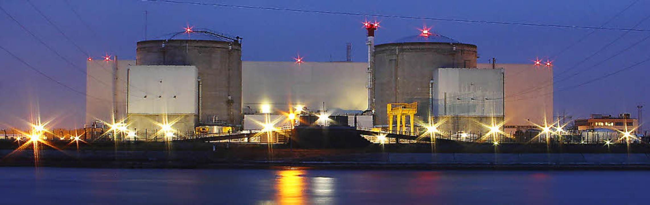 Das Atomkraftwerk Fessenheim   | Foto: afp/hans-peter Ziesmer/Serge Ollivier