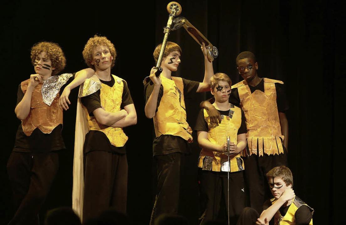 Ein Stück, das auch ein jugendliches Publikum anspricht: Roter Ritter Parzival   | Foto: Christoph Breithaupt