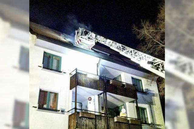 Frau stirbt nach Brand