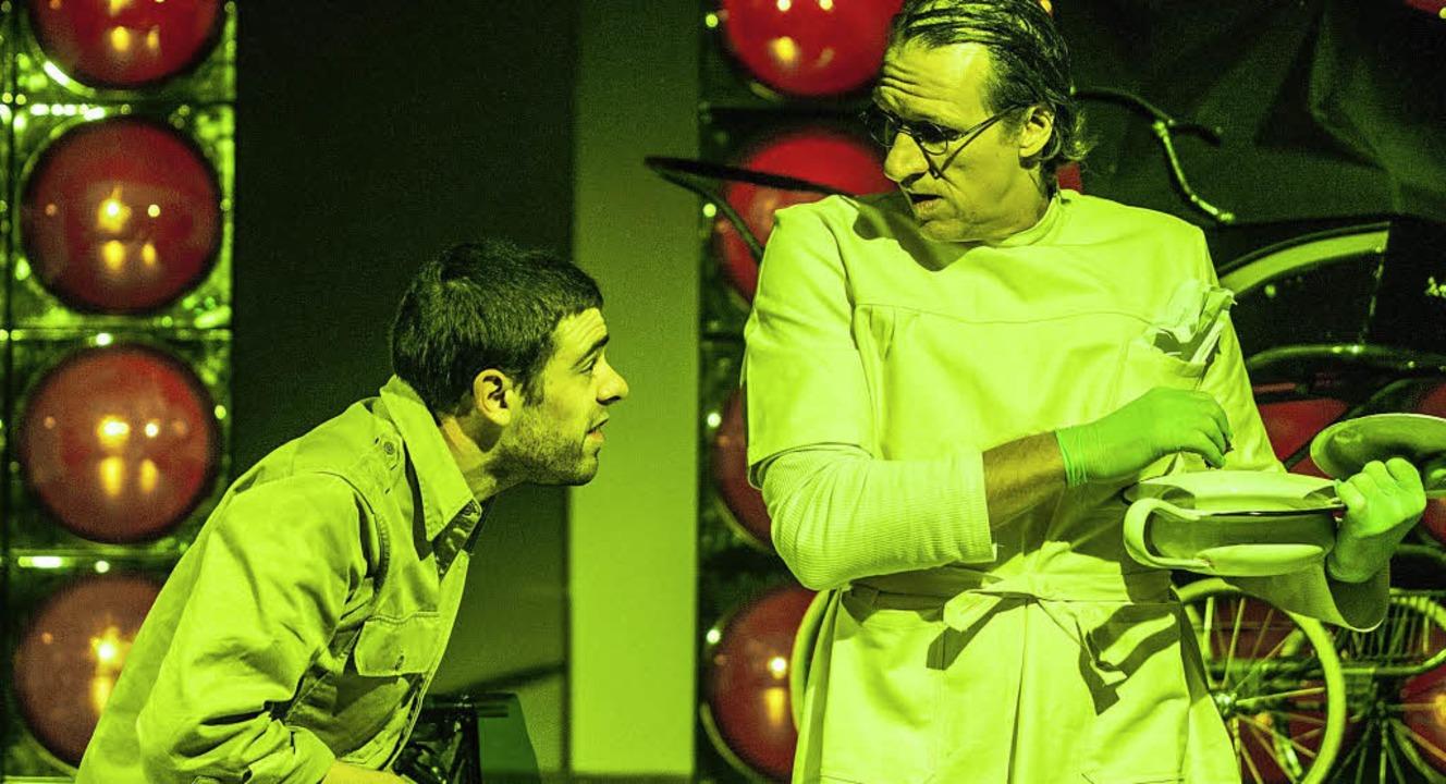 Theater der Immoralisten: Woyzeck. Mit Jochen Kruß und Antonio Denscheilmann    Foto: Frank Mueller