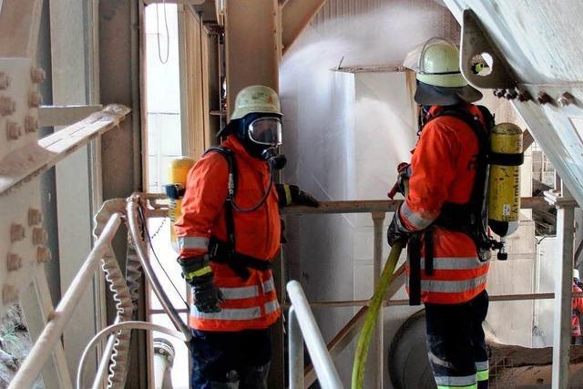 Brand im Mineralstoffwerk Hauri