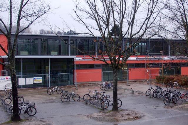 Jubiläen und eine neue Ballsporthalle