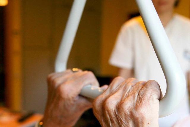 Pflege kostet Betroffene 37 000 Euro