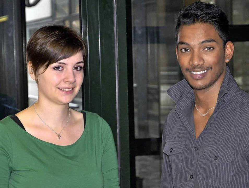Pia Lehmann und Prasanna Mahendran arb...lligendienstes (Bufdi) bei der Stadt.   | Foto: Stadt