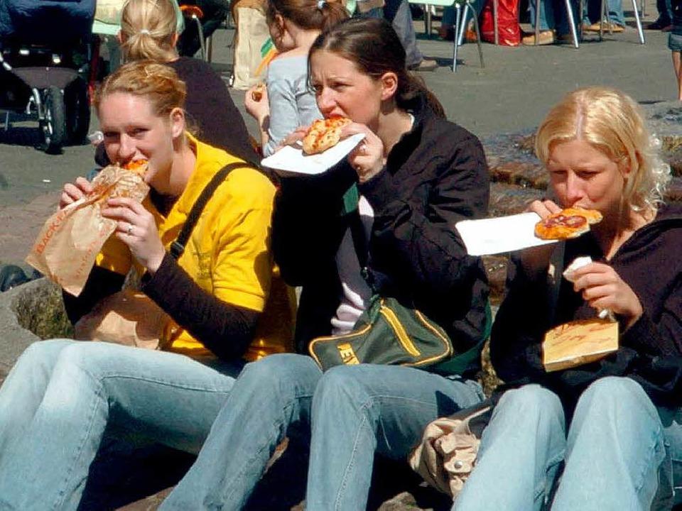 Deutscher Schulalltag: Jugendliche ver...2 sind auch in Freiburg gang und gäbe.  | Foto: usage worldwide, Verwendung weltweit