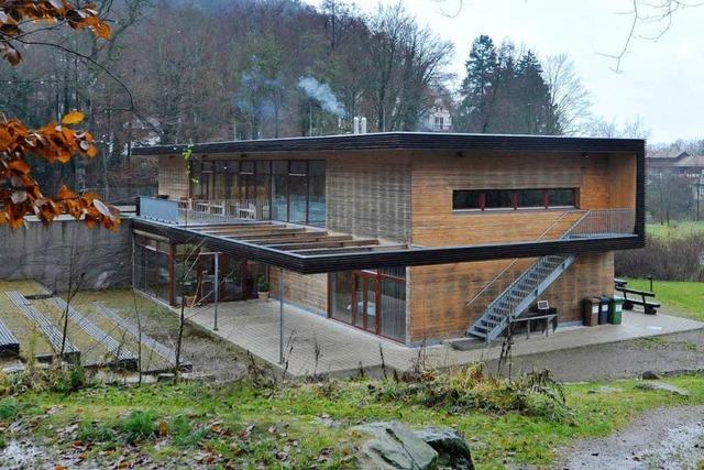 Anwohner setzt sich durch – Freiburger Waldhaus muss umdenken