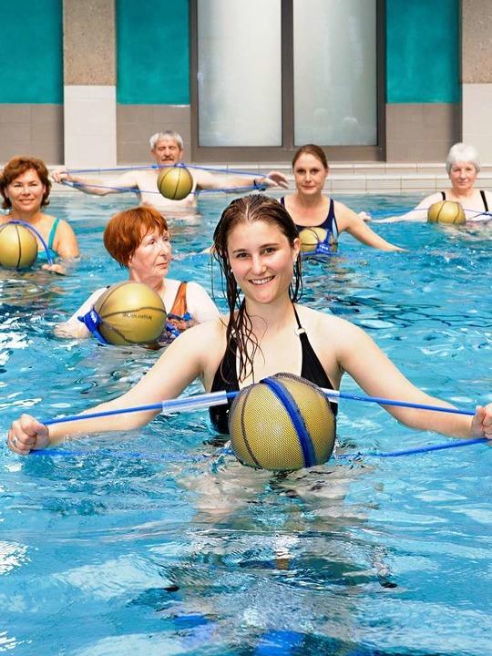 Aqua-Fitness im Thermalwasser der Vita...e und fördert den Gleichgewichtssinn.   | Foto: Mathias Osti