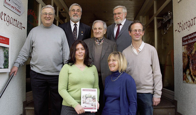 Die Autoren des 23. Riegeler Almanachs... Wolfram Becherer und Rainer Humbach.   | Foto: Michael Haberer