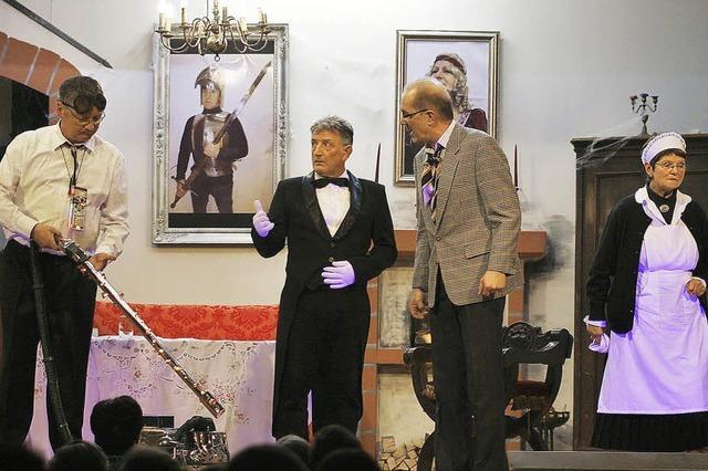 Tosender Applaus und zwei Vorhänge für die Theatertruppe des Turnvereins Sulz