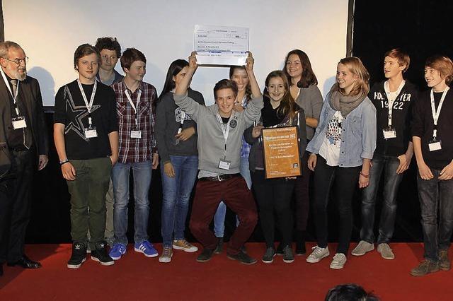 FG-TV: Preis fürs Schulfernsehen des Friedrich-Gymnasiums - Andreae besucht Max-Weber-Schule