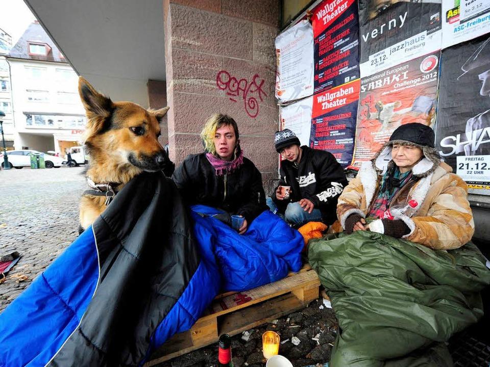 Sollen weg: Obdachlose am KG II.   | Foto: schneider