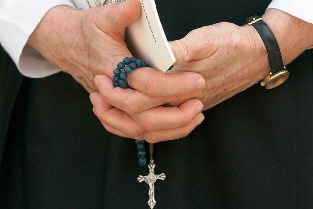 Freiburg: Bistum ermittelt gegen Ex-Piusbruder wegen Missbrauchs