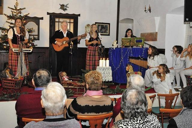 Musik, Lieder und Imbiss im Advent