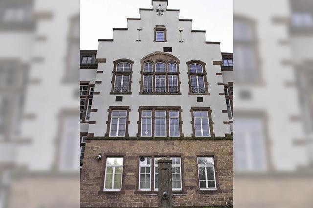 Kritiker wollen Verkauf der Karl-Friedrich-Schule verhindern