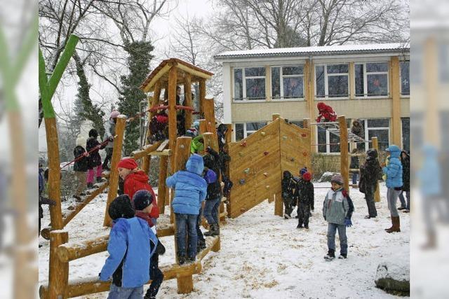 Famoser Schulhof im Schnee