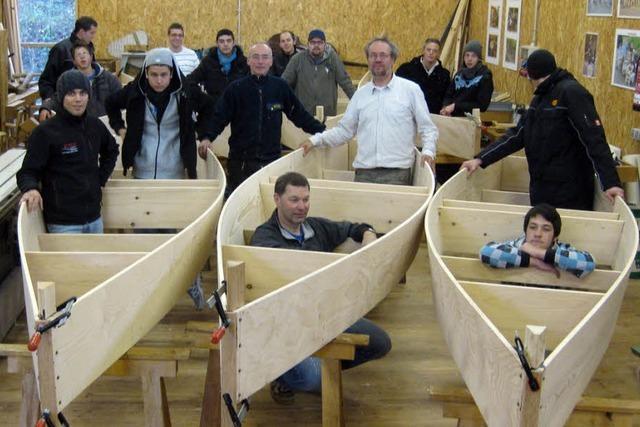 Schüler erweisen sich als perfekte Bootsbauer