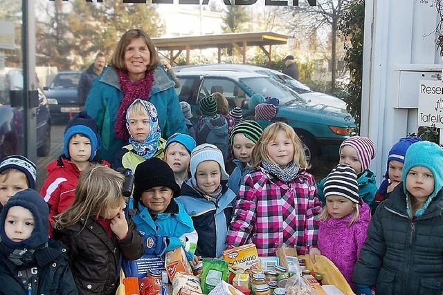 Kinder sammeln für den Tafelladen