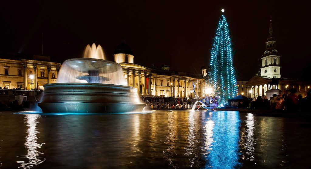 londons ber hmtester weihnachtsbaum ein geschenk aus norwegen panorama badische zeitung. Black Bedroom Furniture Sets. Home Design Ideas
