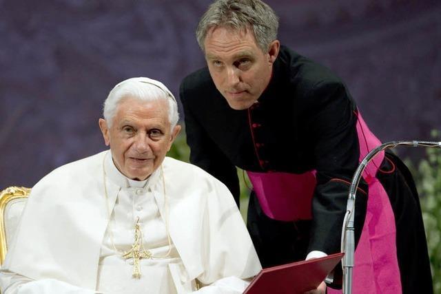 Papst ernennt Gänswein zum Erzbischof