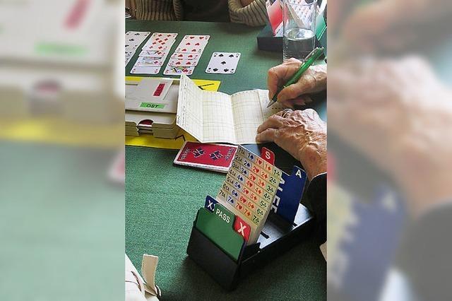 Freundschaften schließen beim Kartenspiel