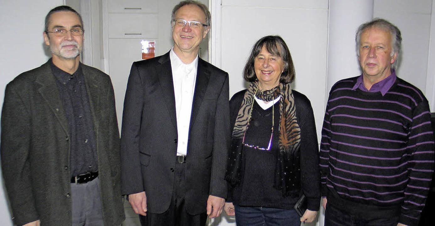 Beim Kirchencafé im Anschluss an den G...ta Geduhn und Diakon Hartmut Tröndle.     Foto: Helmut Hassler