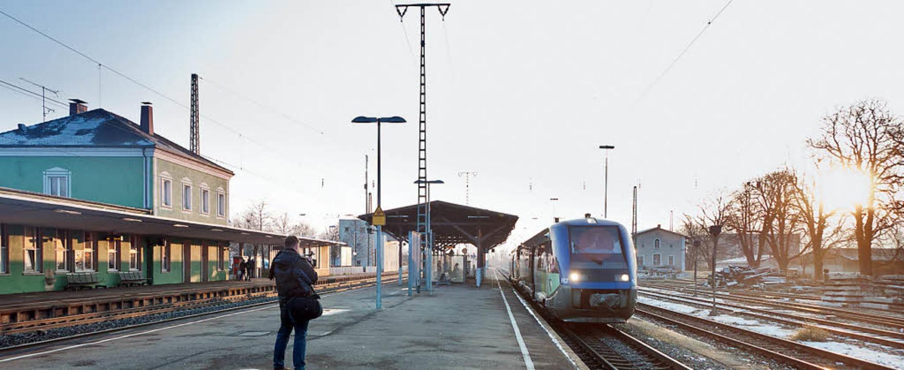 """Die Triebfahrzeuge vom Typ """"Bala...auf der Bahnstrecke Müllheim-Mulhouse.    Foto: Alexander Anlicker"""