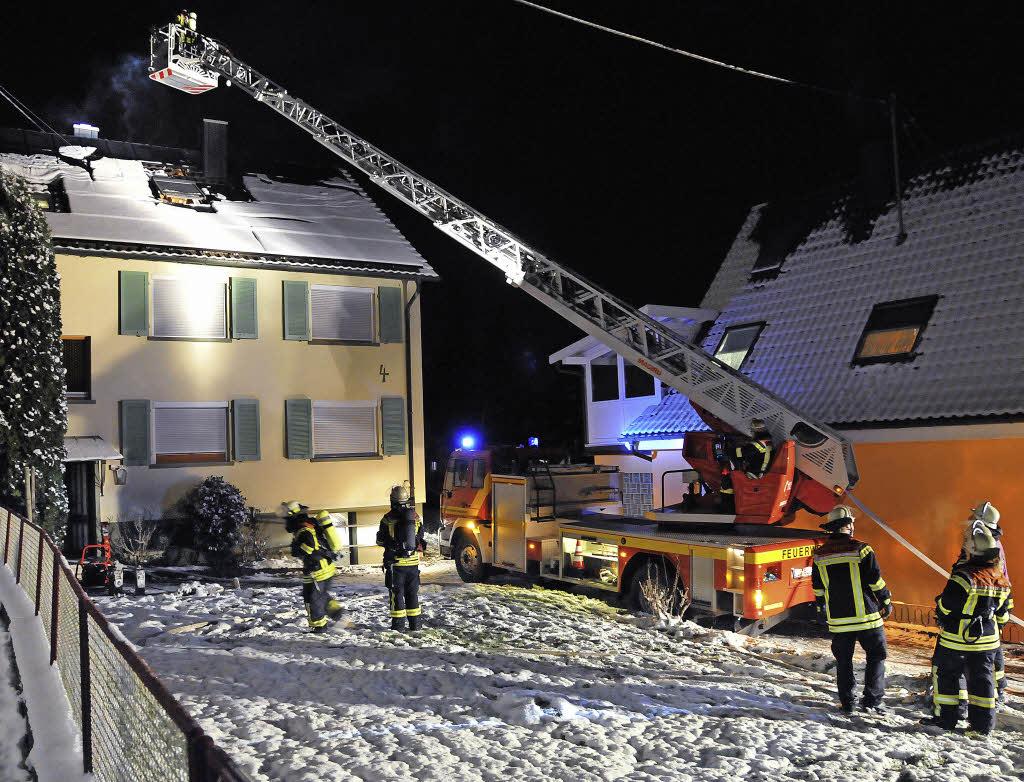 50000 euro schaden dachstuhlbrand in zunsweier offenburg badische zeitung. Black Bedroom Furniture Sets. Home Design Ideas