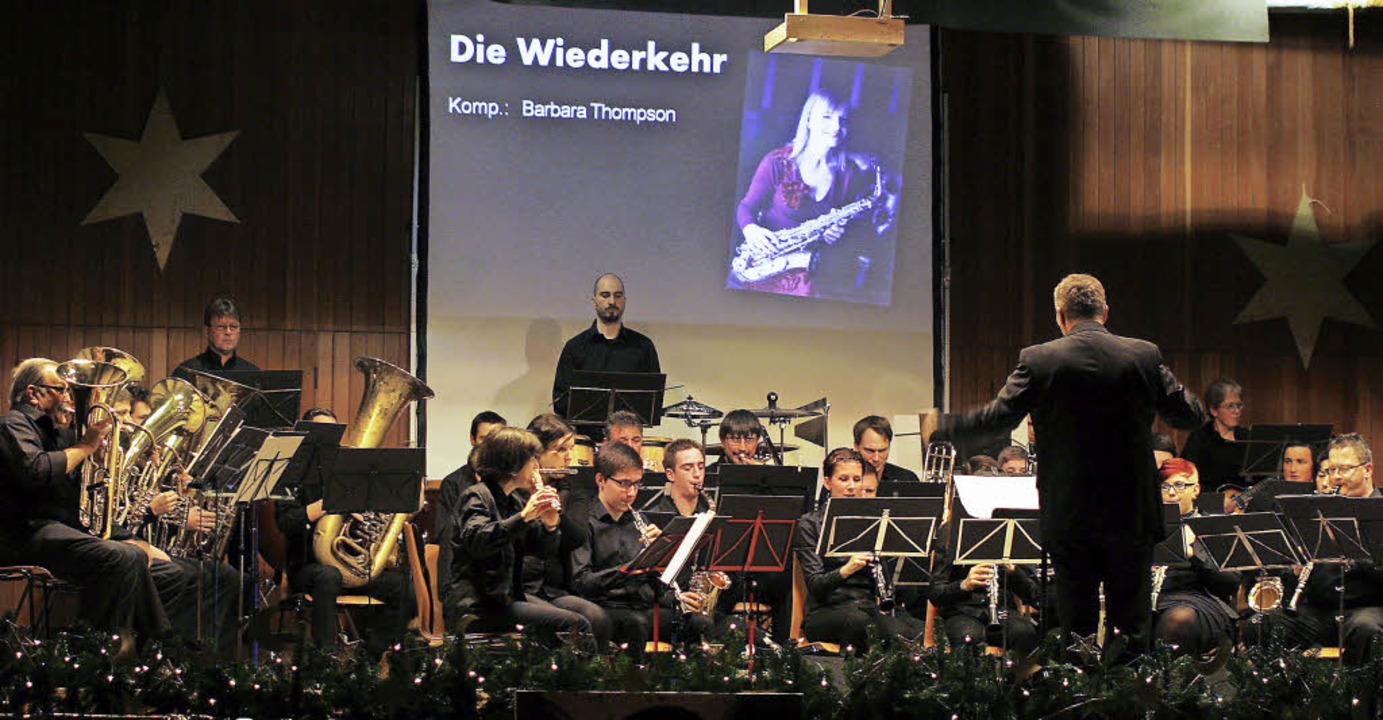 Das Kuhbacher Blasorchester zeigt sich von seiner besten Seite.     Foto: Heidi Fössel