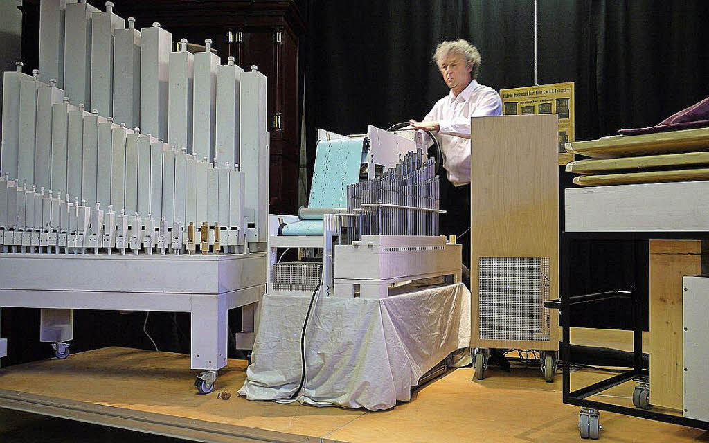 adrian oswald an der xxxl orgel klassik badische zeitung. Black Bedroom Furniture Sets. Home Design Ideas