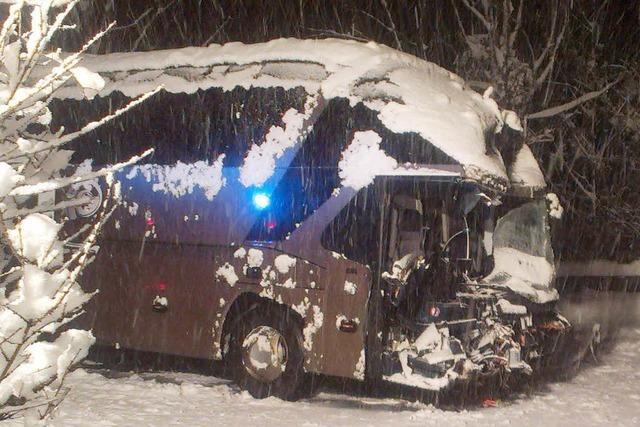 Deutsche Rentner verunglücken mit Bus in Österreich