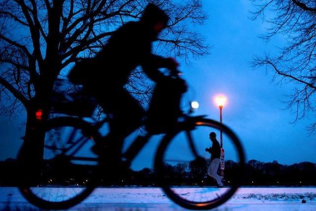 Überzeugte Winter-Radfahrer trotzen in Tübingen dem Schnee