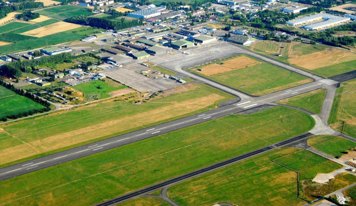 Die Landebahn des Flugplatzes gehört jetzt der Stadt Lahr.  | Foto: Michael Bamberger