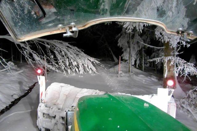 Unterwegs mit einem Schneepflug im Hotzenwald