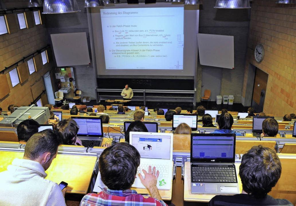 Die Nutzung der Hörsaal-App soll an de...ischen Fakultät bald ausgebaut werden.  | Foto: thomas kunz