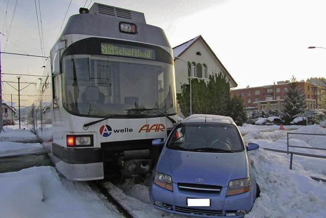 Kollision mit einem Zug endete glimpflich