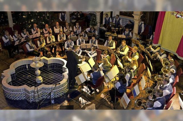 Hotel Andaluz: Musizieren, zuhören und helfen