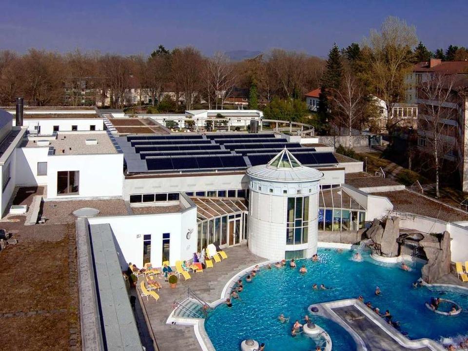 Die Solaranlage auf dem Dach der Vita ...äglich rund 12.000 Liter Duschwasser.     Foto: Kur und Bäder GmbH