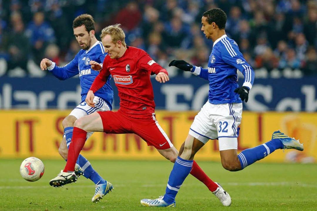 Jan Rosenthal traf gleich zweimal für den SC Freiburg...  | Foto: dpa