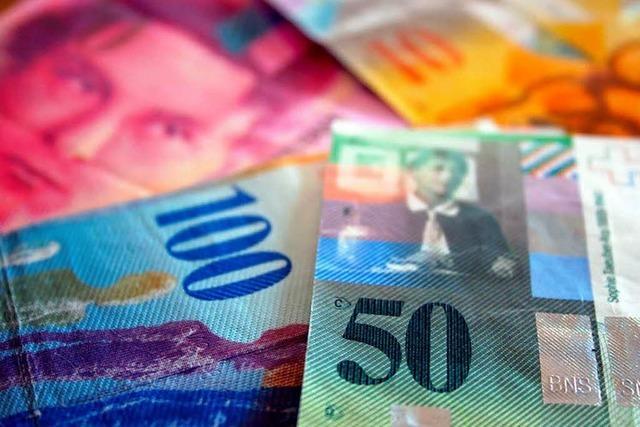 Schweiz: Gericht verlangt gleiche Löhne für Grenzgänger