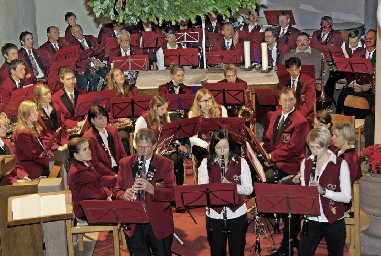 Ein besinnliches Konzert zum Advent ga...offingen in der St. Laurentiuskirche.     Foto: herbert trogus