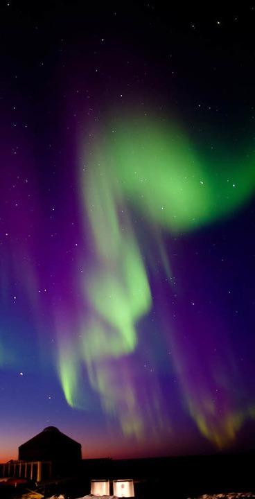 Kann das wirklich wahr sein? Polarlich...ntergang mitten im eiskalten Nirgendwo  | Foto: Birgit-Cathrin Duval bcmpress