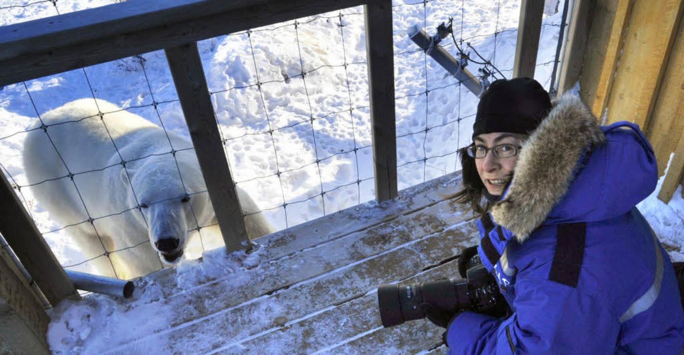 Birgit-Cathrin Duval mit dem Fotoappar...sbärenschau im kanadischen Churchill.   | Foto: ian johnson
