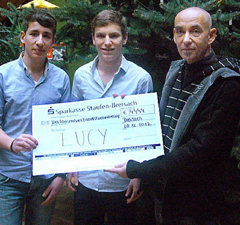 Schüler des Martin Schongauer Gymnasiums spendeten für das Lucy-Hilfsprojekt.  | Foto: privat