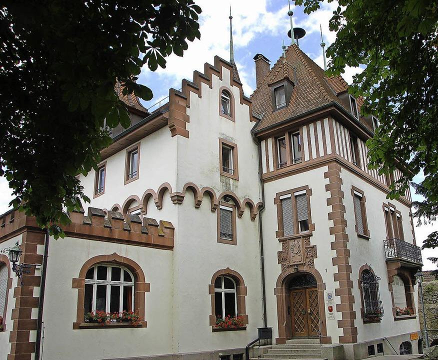 Das Rathaus in Brombach, Sitz der Orts...s Standesamtes für die Stadt Lörrach.   | Foto: Nikolaus Trenz