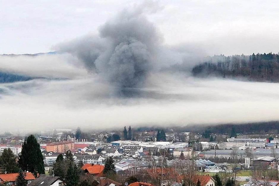 Die Rauchwolke breitete sich über die halbe Innenstadt aus, hier ein Blick von Wiechs. (Foto: Karina Baur)