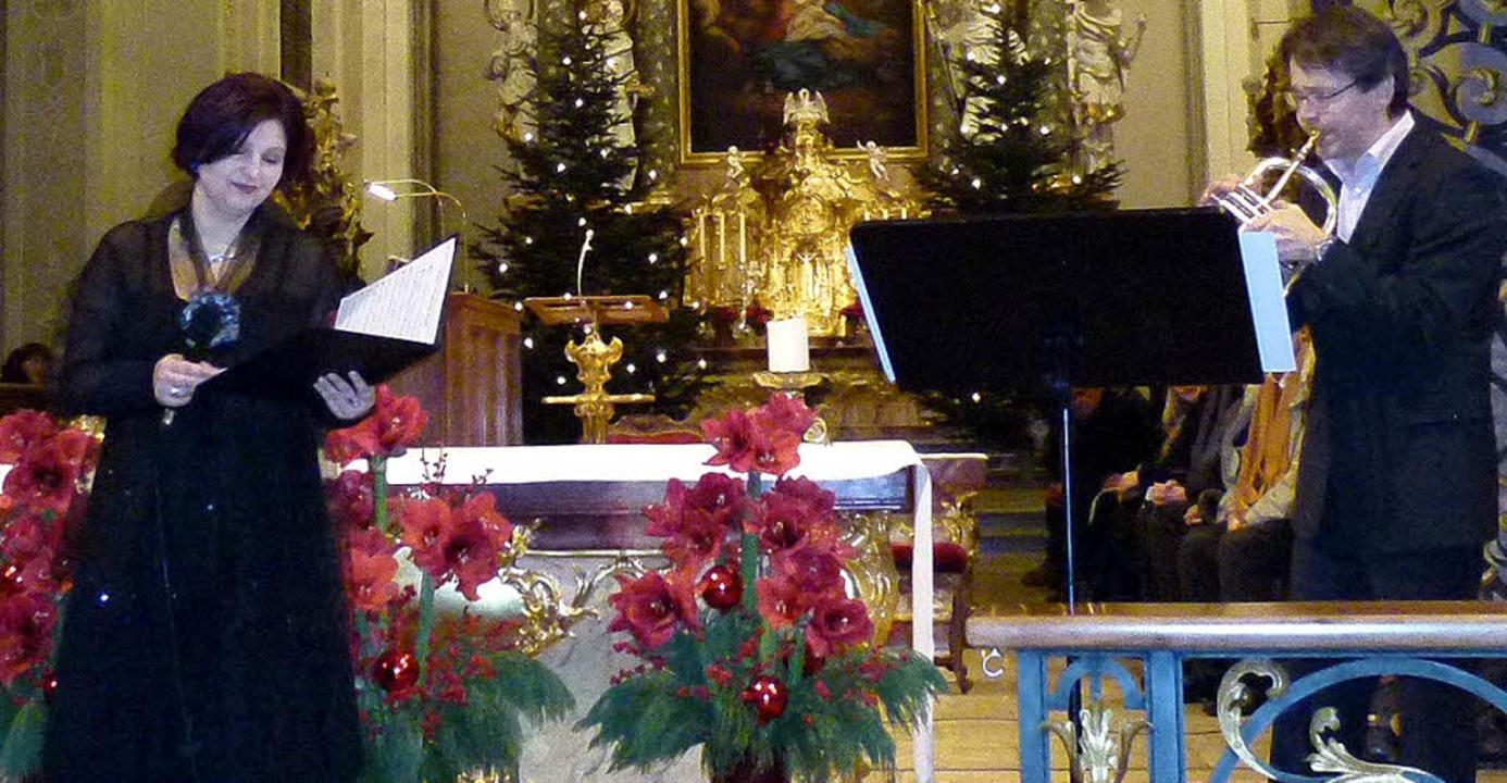Sopranistin Regina Kabis und Solotromp...nn beim Neujahrskonzert in St. Peter.   | Foto: Katja Brudermann