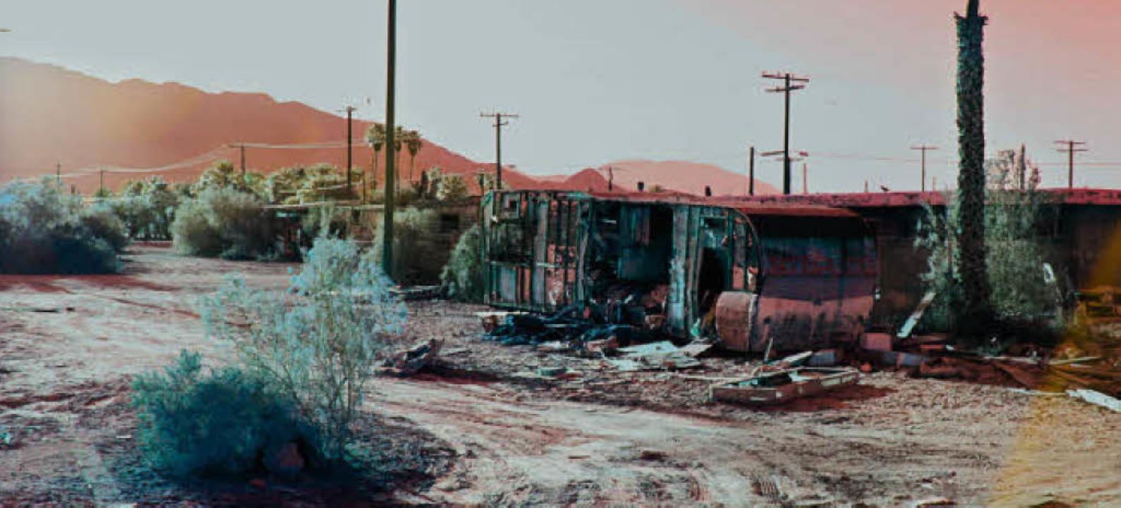 Zeugen des Untergangs menschlicher Ziv...tion: verfallene Häuser in Salton City
