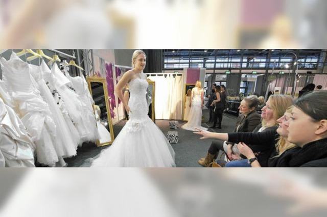 """Hochzeitsmesse """"Trau"""": Von Roben und Ringen"""